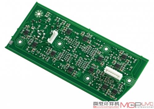 前级电路通过tl082运放芯片完成电子分频